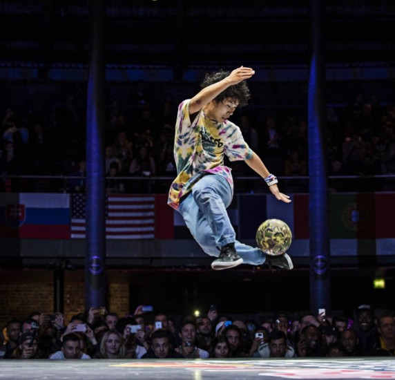 Kosuke Takahashi of Japan competes during the finals of the freestyle football world championship Red Bull Street Style in London, United Kingdom on November 8, 2016 // Samo Vidic/Red Bull Content Pool // P-20161108-01118 // Usage for editorial use only // Please go to www.redbullcontentpool.com for further information. //